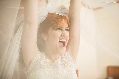 feestlocatie. happy bride