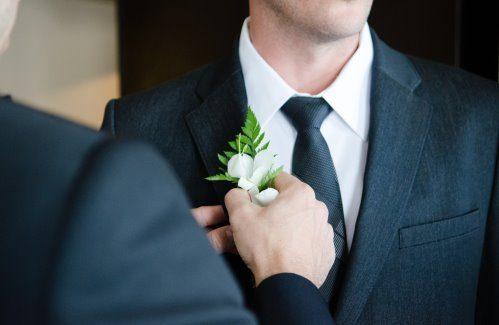Trouwpak op maat winnen; de bruidegom komt in actie
